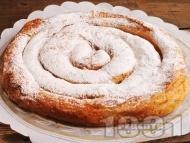 Сладка вита ябълкова баница от готови кори с плънка от локум, орехи, канела и пудра захар